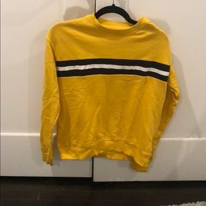 Yellow sweater/top perfect for fall and winter